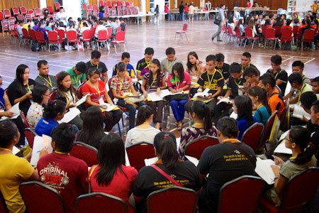 http://news.bahai.org/community-news/youth-conferences/images/photos/kuching/kuching-2.jpg